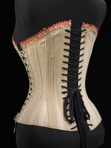 V_and_A_Museum_Maternity_Corset_1900_Back